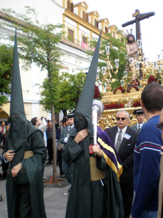 A glimpse of a Semana Santa procession in Sevilla, 2011